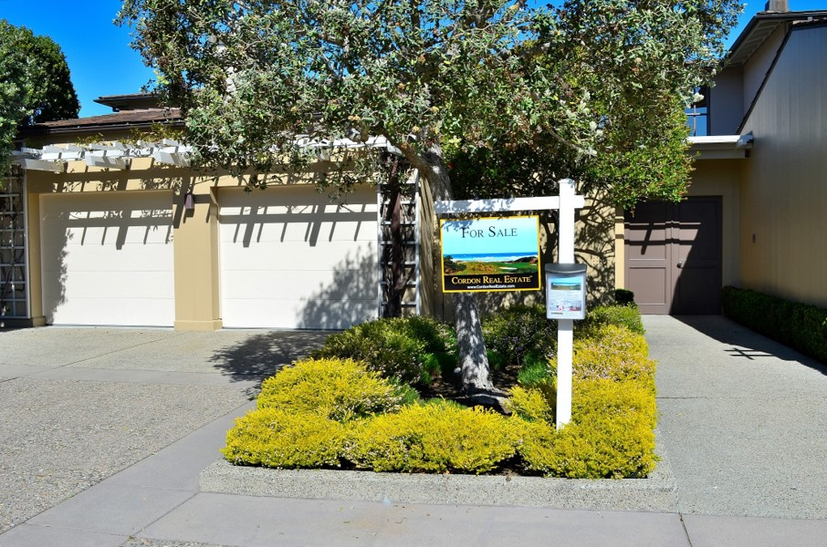 22 Spanish Bay Circle entrance garage 2
