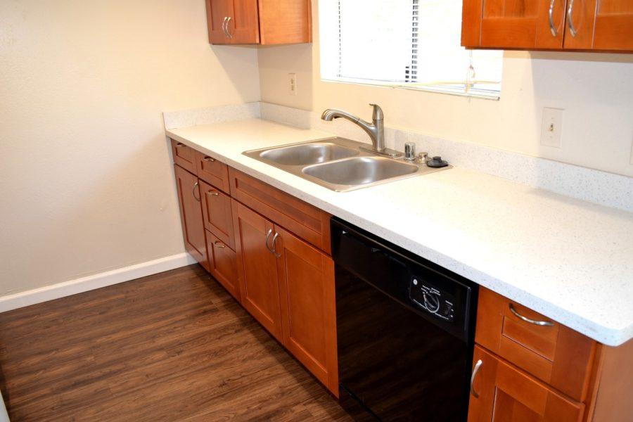 1260 Kenwal Road 04 Kitchen sink counter