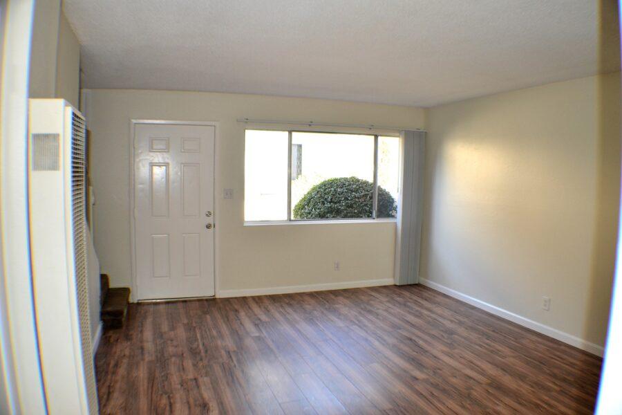 04 657 Military East living room 2