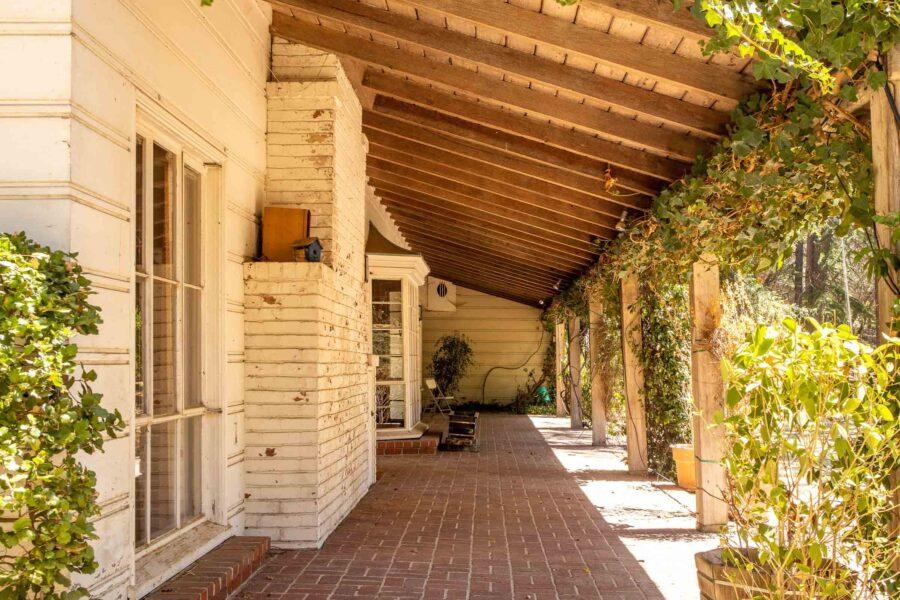 05 1050 Pine Lane front porch