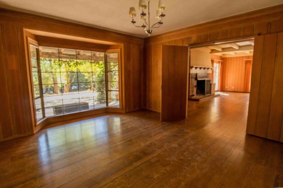 21 1050 Pine Lane dining room 1