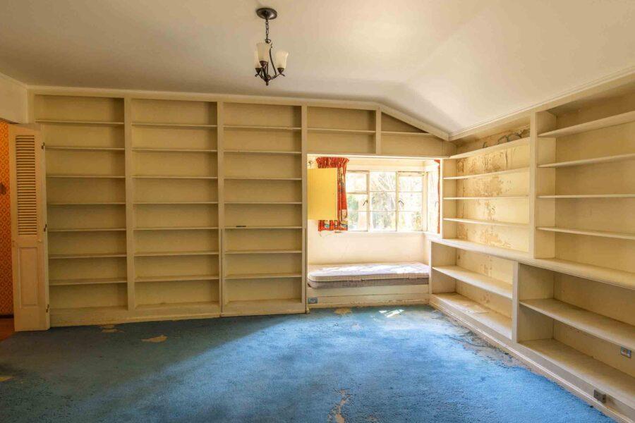 35 1050 Pine Lane bedroom 6 den 2-1